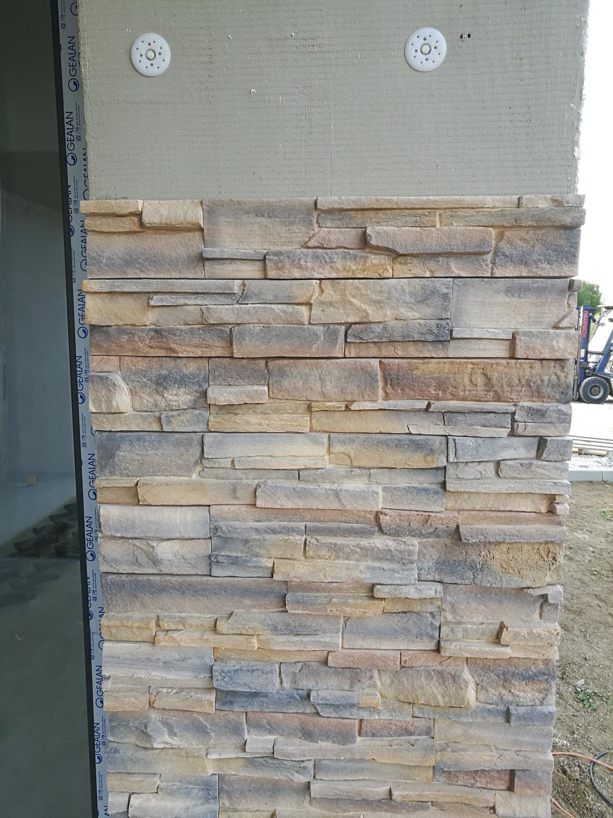 tehlové a  kamenné obklady  - REALIZACIE - obklad Grenada 2, CC 35 Eur/m2, zlavy  poskytujeme až do výšky 15 %