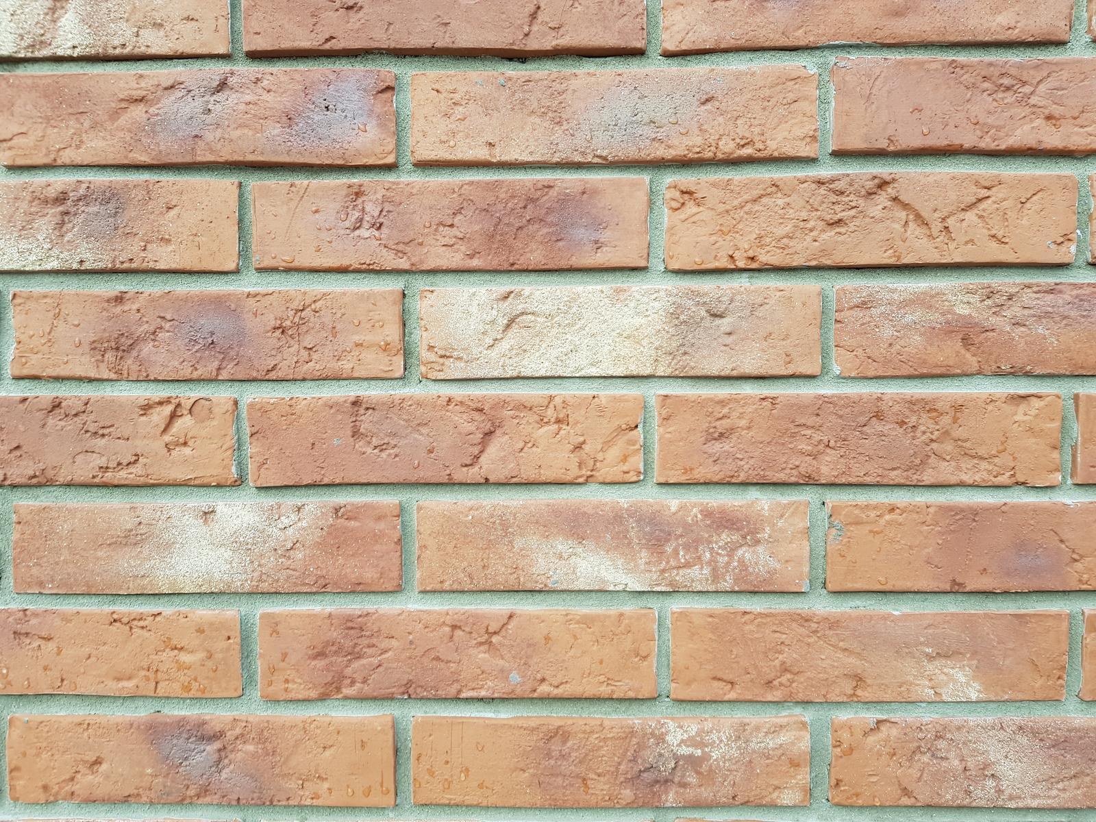 tehlové a  kamenné obklady  - REALIZACIE - tehlový obklad Red, cena 28 eur s DPH, ohladne zliav info osobne na predajni poprosíme