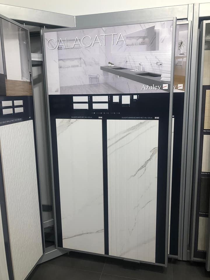 Luxusné obklady a dlažby zo Španielska - velkoformátový obklad Calacatta od AZULEV, formát 40x120 cm cena 37,80 eur/m2, DECO Calacatta 39,80 Eur/m2
