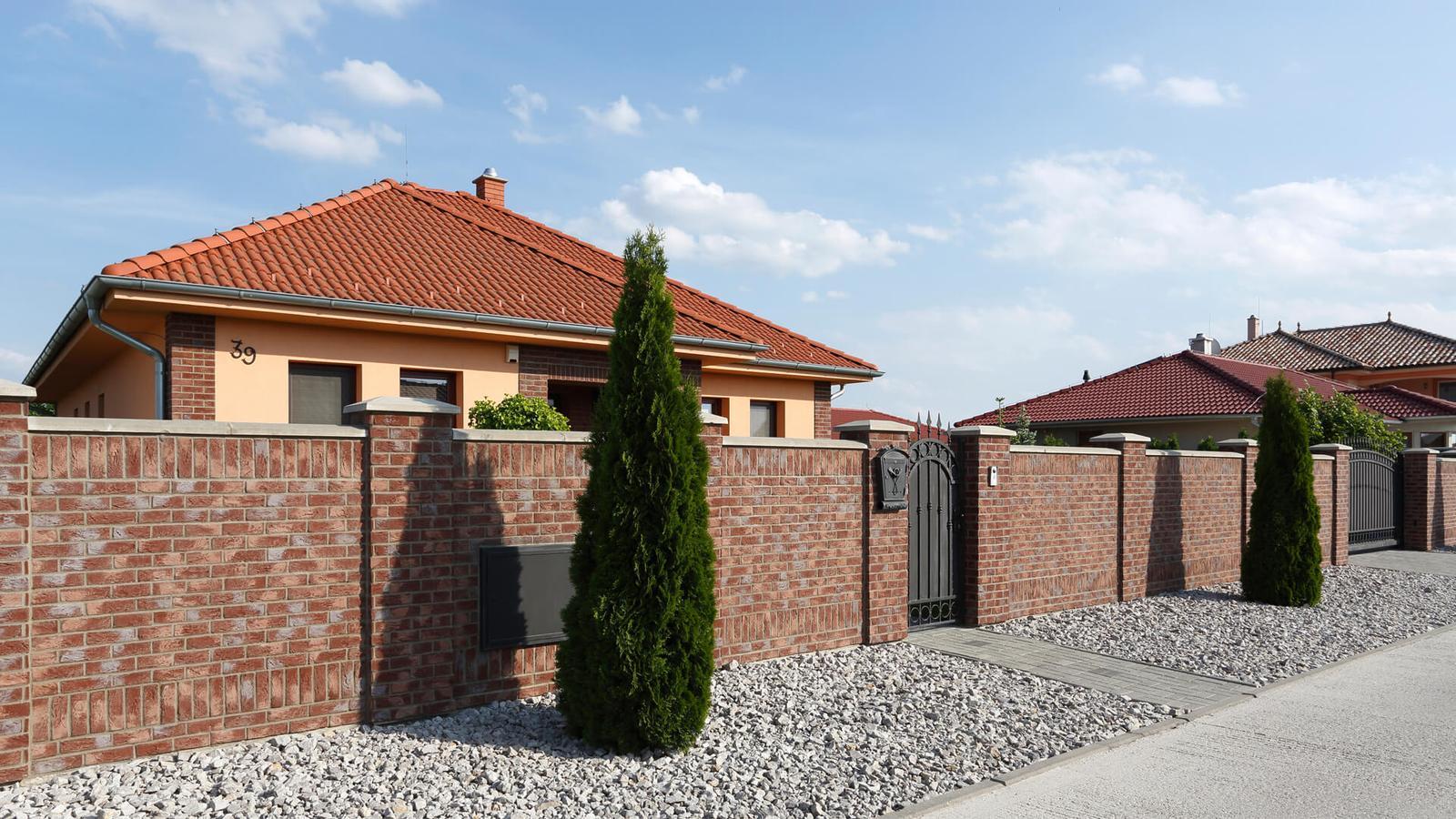 tehlové a  kamenné obklady  - REALIZACIE - Country 668