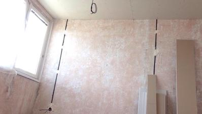 strop v ložnici zaklopen