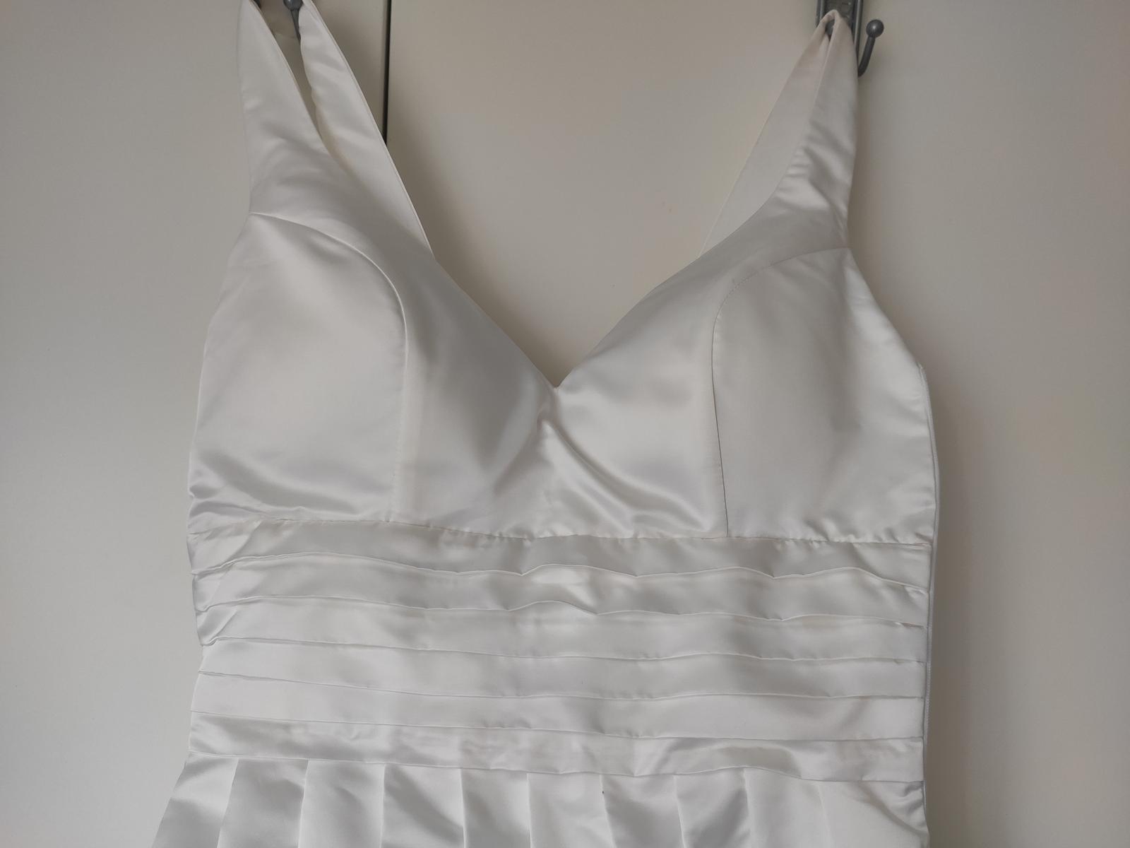 Krásné svatební šaty - Obrázek č. 3