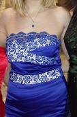krátke modré šaty,