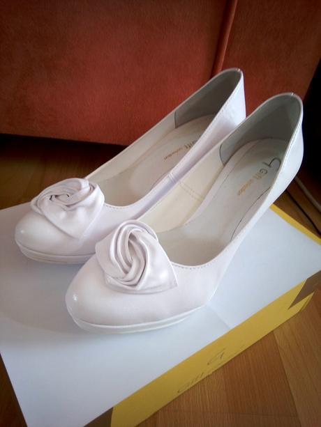 Biele svadobné lodičky - 37 - Obrázok č. 1