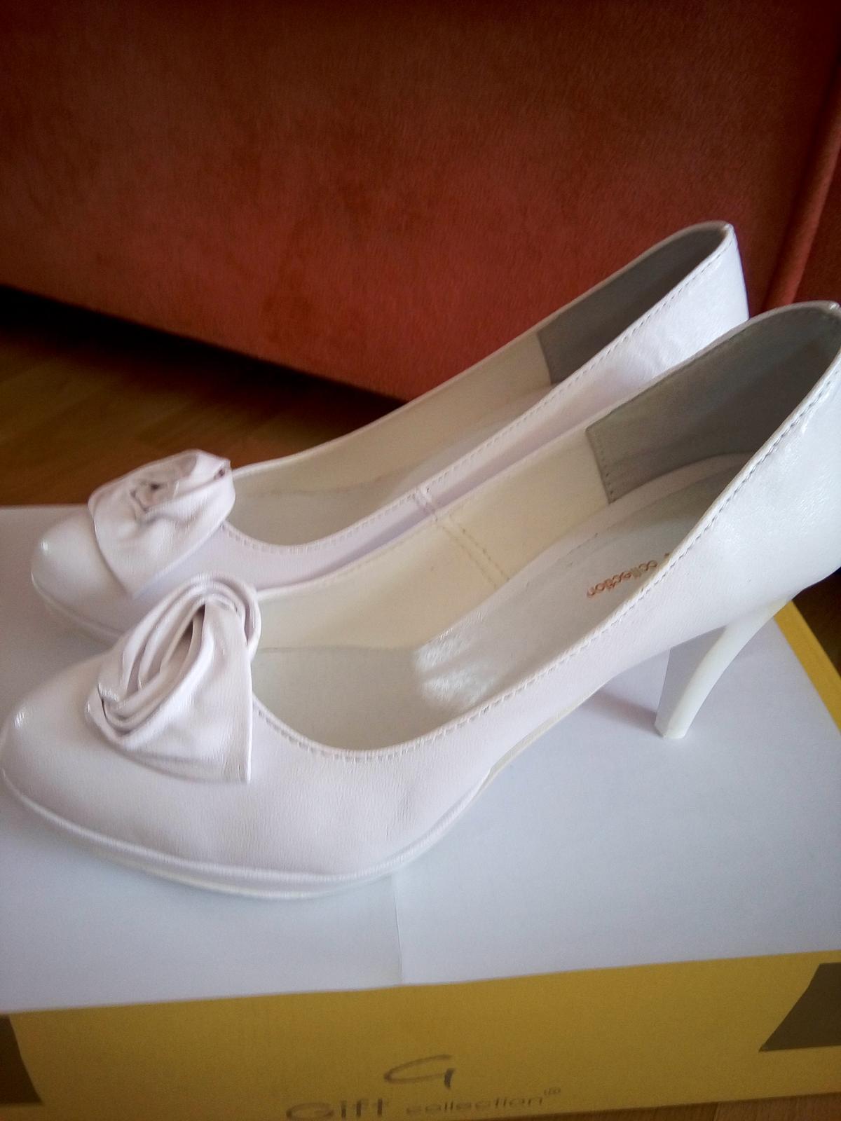Biele svadobné lodičky - 37 - Obrázok č. 2