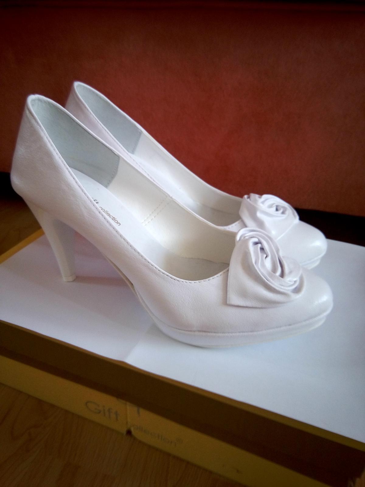 Biele svadobné lodičky - 37 - Obrázok č. 3