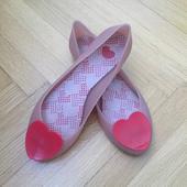 Růžové balerínky Mel s červeným srdíčkem, 40