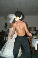 ...opět ženichův tanec :o) ...