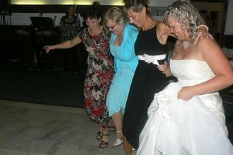 ...trošku řeckého tance...