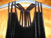Černé sametové šaty s rozparkem, S