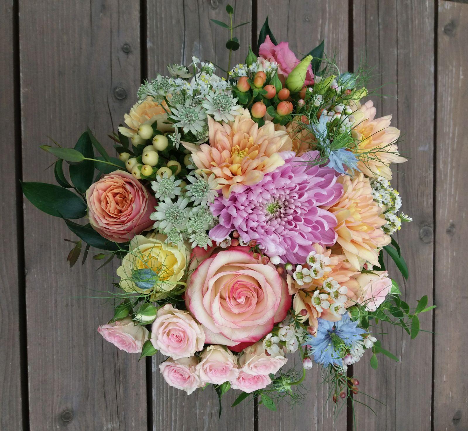 Květnová svatba plná barev! - Obrázek č. 2