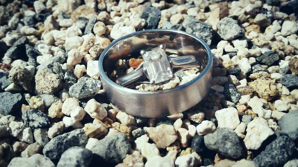 Zasnuby - Nase zasnubne prstienky. Vedeli ste, ze vo Svedsku ma zasnubny prsten aj muz?