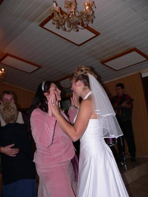 Milena{{_AND_}}Tomáš Tyralovi - ja a moje milovaná sestřička tančíme :-)