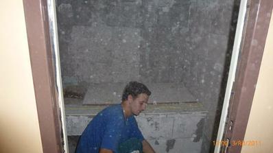nastávajúci švagor robí kúpeľňu...