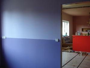 pohled z ložnice do obýváku