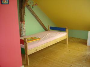 i postel udělal tatínek