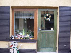jen ty dveře jsou naše , okno jsem neuhádala ;-)
