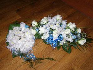 moje svatební kytička a kytka na stůl......