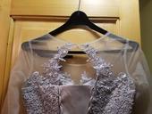 Našedlé svatební šaty , 38