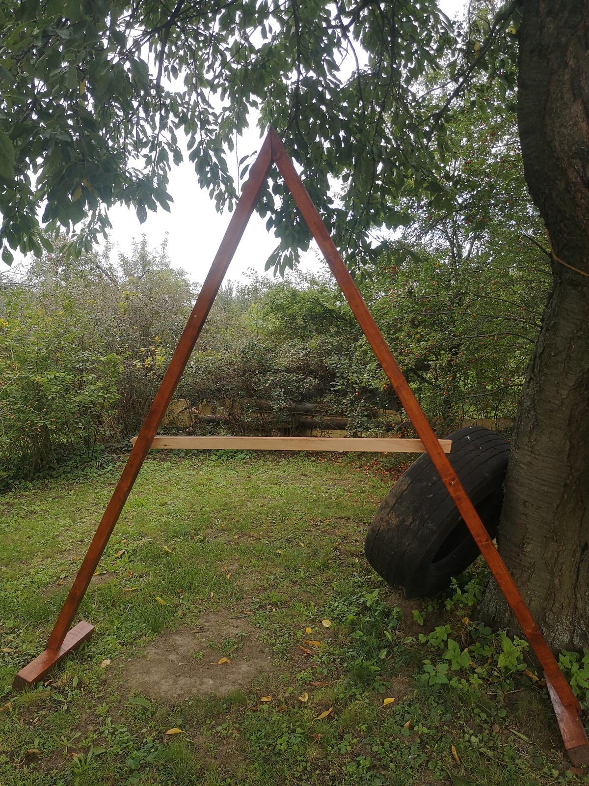 Dřevěná slavobrána, triangl - Obrázek č. 3