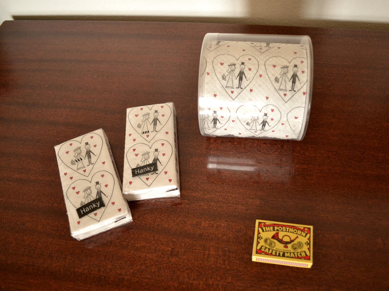 Svatební papírové kapesníčky a toaletní papír - Obrázek č. 1