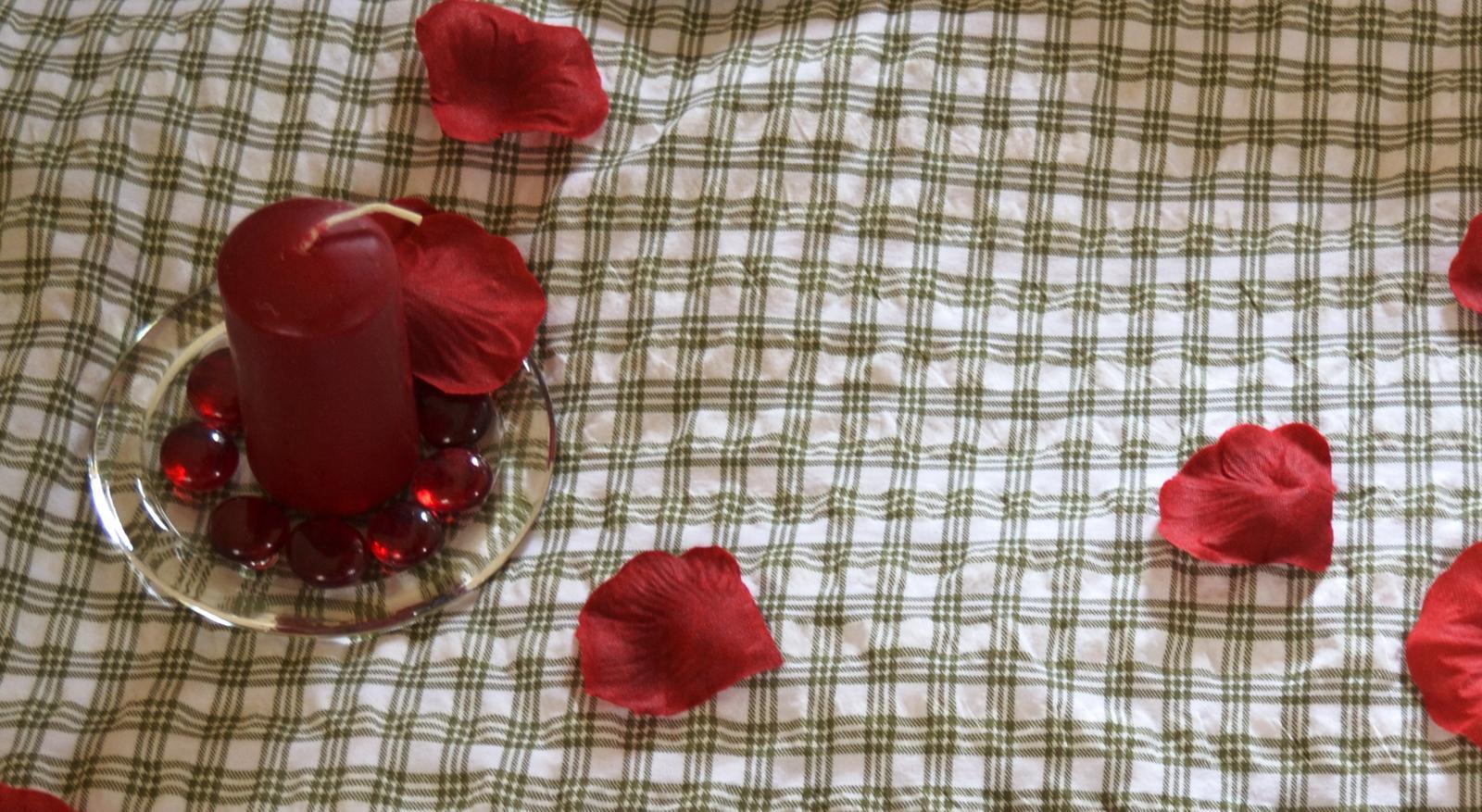 Temně červené dekorační kamínky - Obrázek č. 1