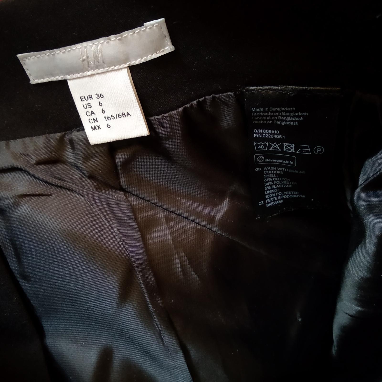 Černá pouzdrová sukně H&M - Obrázek č. 2