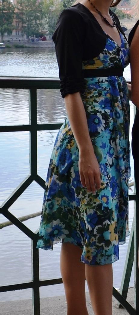 Modré květované letní šaty - Obrázek č. 1