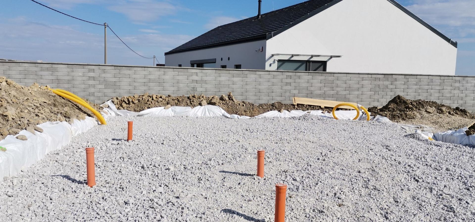 Spodná stavba - Drenážny štrkový podsyp 15cm