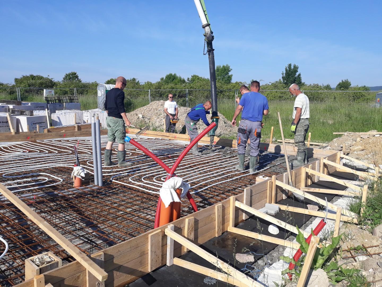Spodná stavba - Začíname betónovať