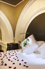 Novomanzelske apartma v hotelu Comsa Palace Brno