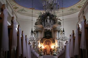 Chtěla jsem krásně nazdobený kostel a byl :-)