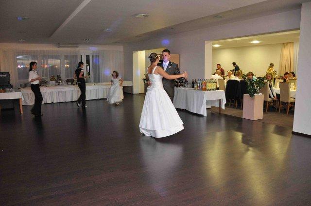 Eva Belianská{{_AND_}}Michal Doman - prvý spoločný tanec manželov Domanových