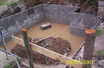 Naša pivnica plná vody:( s ktorou máme problém doteraz!