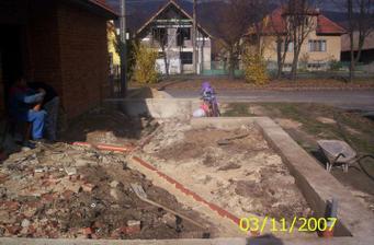 Odpad stredom domu,dúfam že sa nikdy neupchá!!!