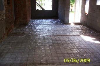 Nové podlahy(zatiaľ betónové)