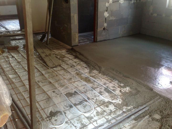 Náš domčúrik :) - Podlahové kúrenie v kuchyni