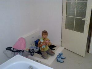 Mamina už aby som sa hrávala vo svojej izbičke
