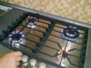 A môžme už aj variť,aj keď zatiaľ dočasne na propan-butan,zatiaľ nemáme plyn