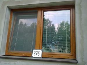 Pohľad z vonku,a číselko domu ak by ste nás hľadali :)
