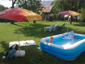 A dnes sme skúšali konečne nový bazén :)