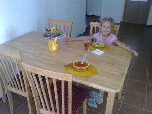 Šiška za novým stolom