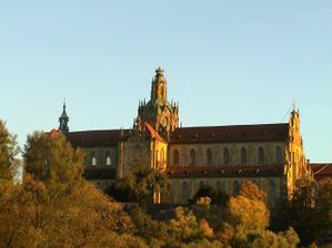 ...klášter