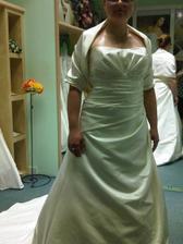 Druhá zkouška - vítězné šaty se štolou