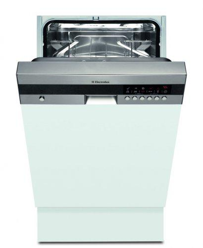 Prerabame kuchynu - moja milovana umyvacka, uz teraz ju zboznujem:)