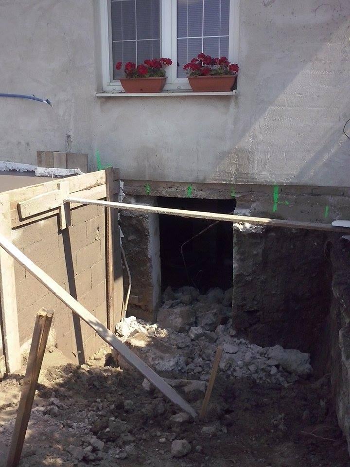 Dalsi level - zo stareho skoro nove - novy vchod do pivnice vyrezany