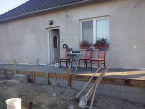 veranda, cigosi maju posedenie :)