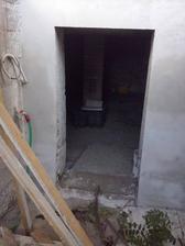 zacistene dvere do pivnice