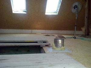 podkrovie uz pripravene na stavanie priecok