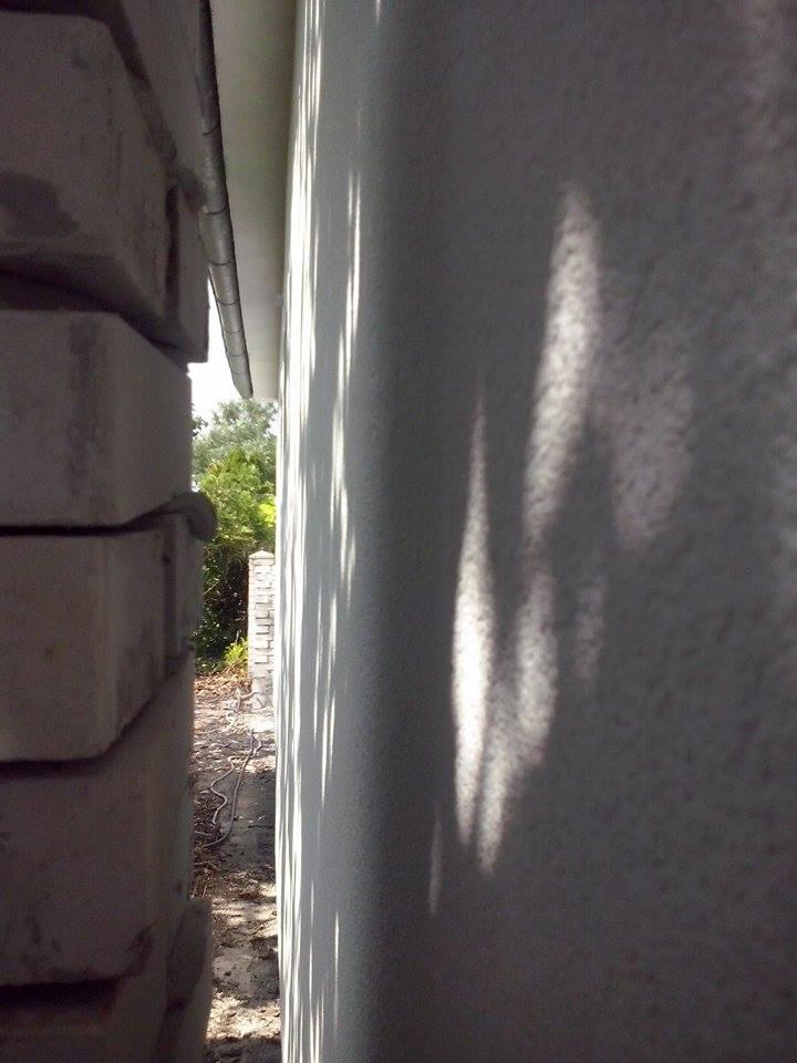 Dalsi level - zo stareho skoro nove - od suseda zateplene a uz zamurovany plot